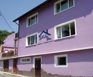 Rolling Stone Hostel - Front view